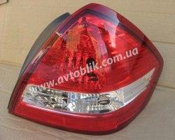 Задний фонарь левый на Nissan Tiida седан (2005-2012) арабка