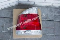 Задний фонарь правый на Opel Vectra C (2002-2009) бело-красный