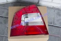 Задний фонарь правый на Skoda Octavia A5 (2009-2013)