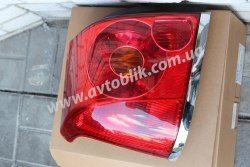 Задний фонарь правый на Toyota Avensis (2003-2006)
