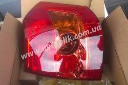 Задний фонарь правый на Toyota Corolla (2005-2007) хетчбэк
