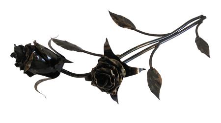 Роза с двумя бутонами